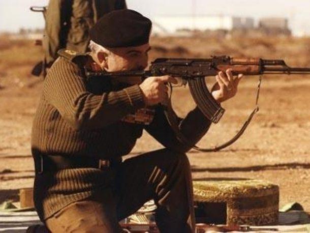 18 عاما على رحيل الحسين - صور