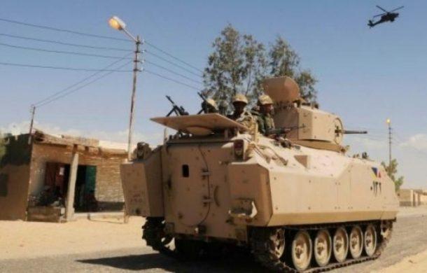 مقتل 5 جنود مصريين في تفجير مدرعة