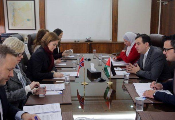 الفاخوري: ازمة اللاجئين في الأردن تتحول الى قضية منعة